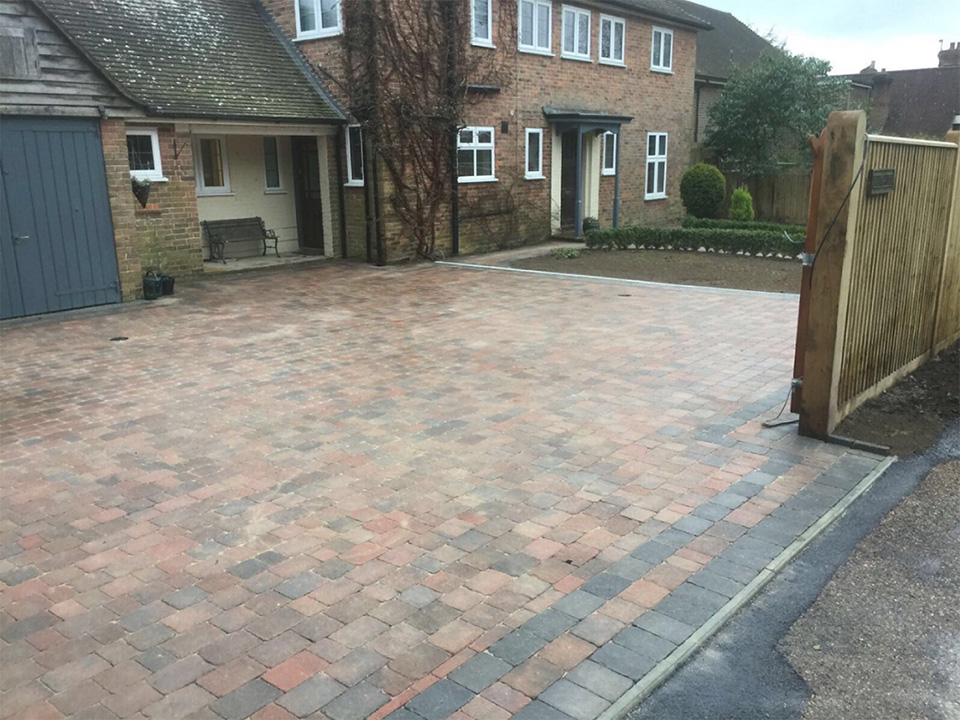 Buxted Driveway Installation and Path – in Country Cobble
